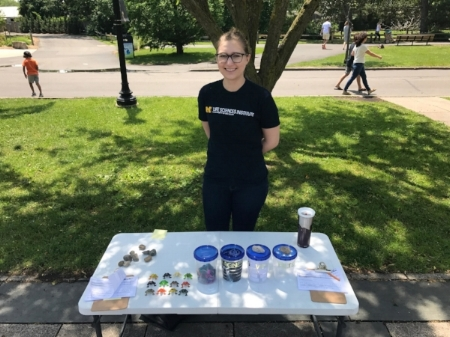 Student doing outreach at Zoo