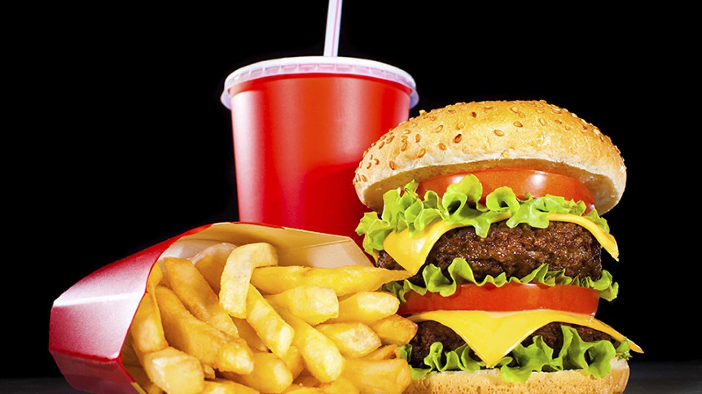 Junk food (cookelma / iStock / ThinkStock)