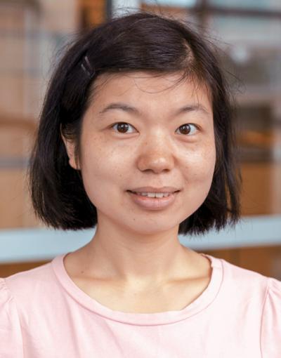 Lusi Zhang